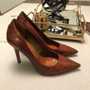 Sam Edelman Whiskey Croc Portney Heels
